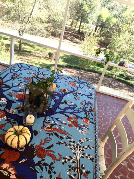 screen porch fall table