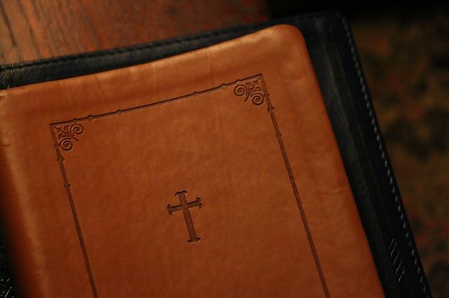 bible-1245795_640